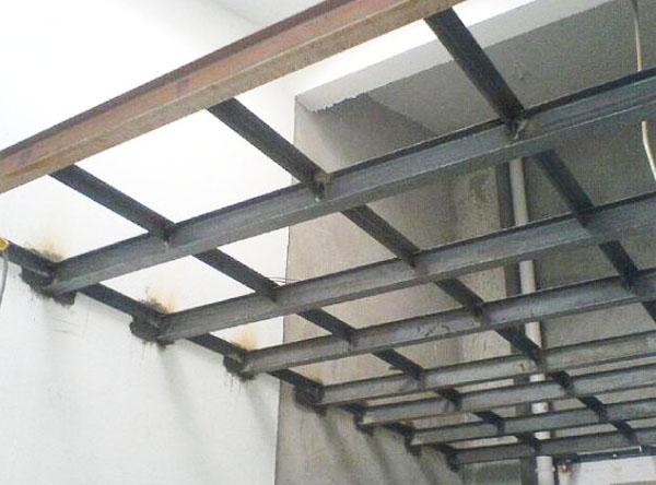 彩钢泡沫夹芯围挡板的优点